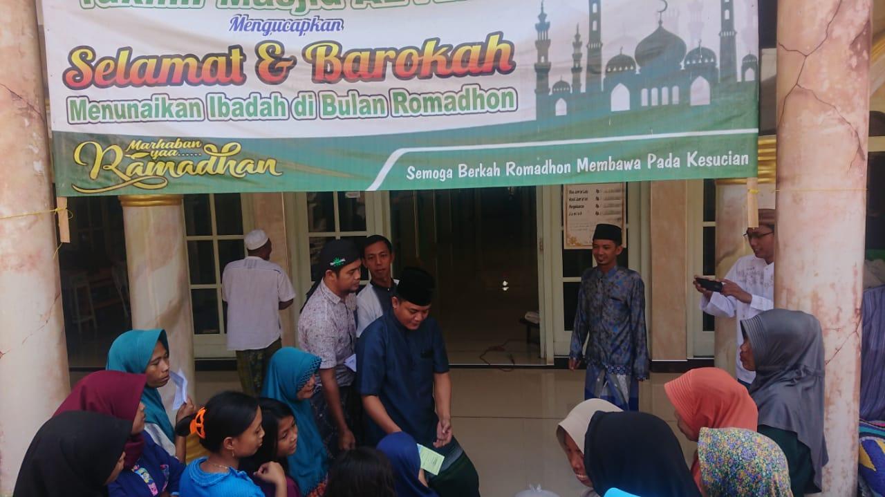 Takmir Masjid Al-Amin Branta Pesisir Salurkan Rp. 117.650.000 Zakat Mal dan 2,1 Ton Beras