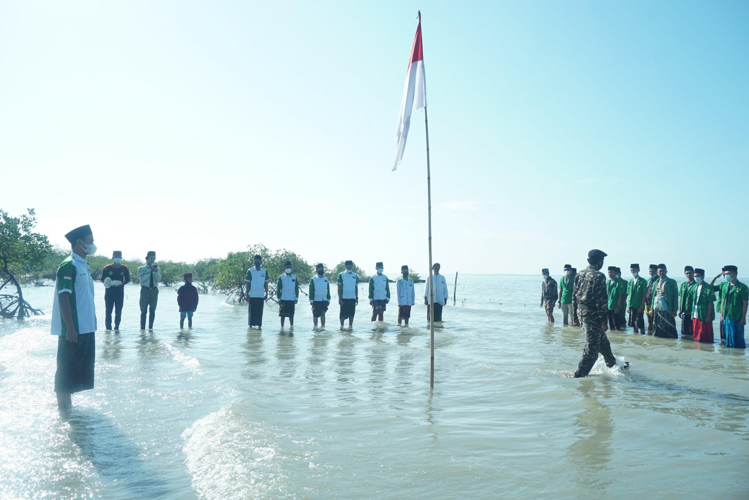 Ngormat Nusantara Kibarkan Bendera di Bekas Lokasi Peperangan